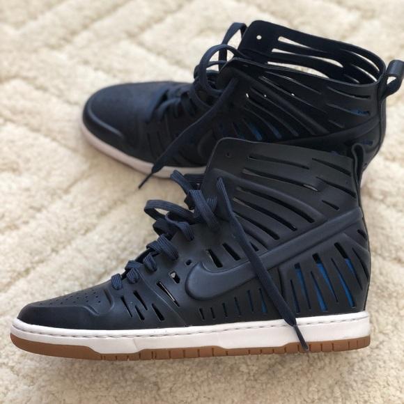best authentic 6f763 06c22 Nike Dunk Sky Hi 2.0 Joli Wedge Sneaker - Navy. M 5b5cf25bdcfb5aa500dd5f56